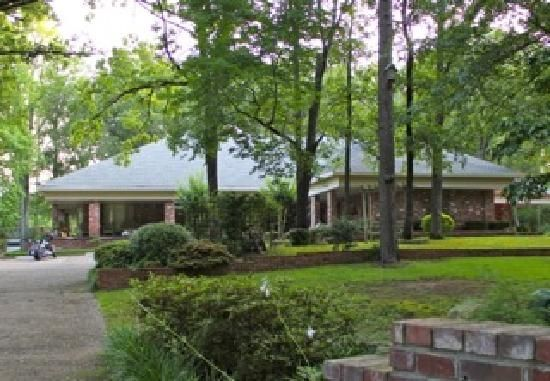 ABears Den Bed & Breakfast